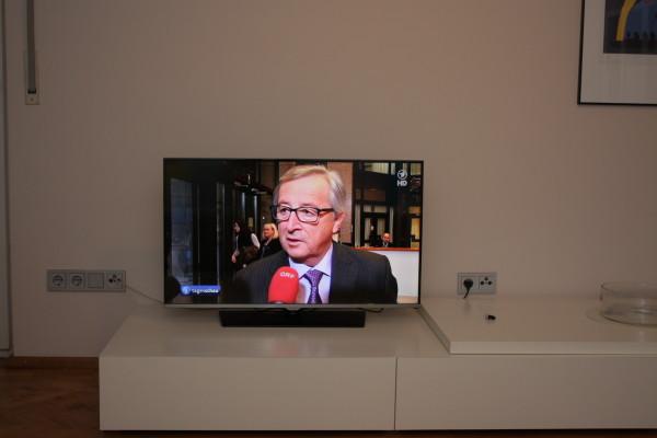 Das gestochen scharfe HD-Bild des neuen Samsung-Fernsehers dürfte jeden zukünftigen Mieter glücklich stimmen.